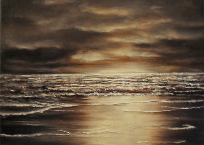 Bronze Light bounces off, oil painting on canvas, 30x24cm. Painted by Lia van Elffenbrinck, bronze sea. The waves are rolling towards you, standing on the beach at night