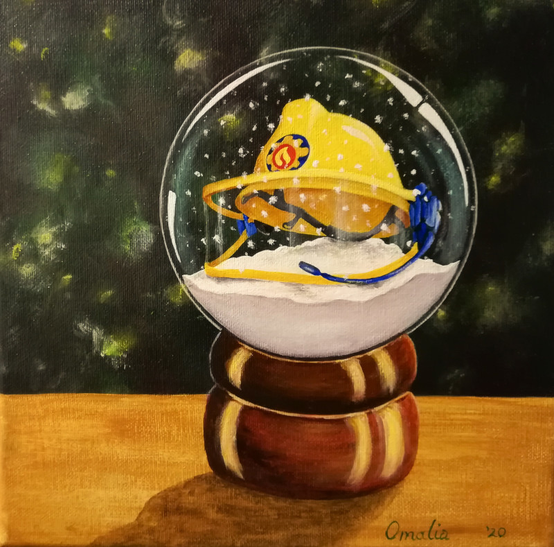 Helmet painted in a snowglobe.